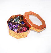 20 heart shape chocolate in round box