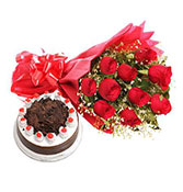 Flowers Bouquet With Black Forest - 500 Gm Online delivery in Bilaspur - Shopnideas